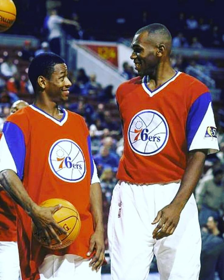 Before shaq  and Kobe this was my favorite  duo  growing up in the 90s Stackhouse and Iverson #jerrystackhouse  #alleniverson  #classicshit  #tbt  #sixers
