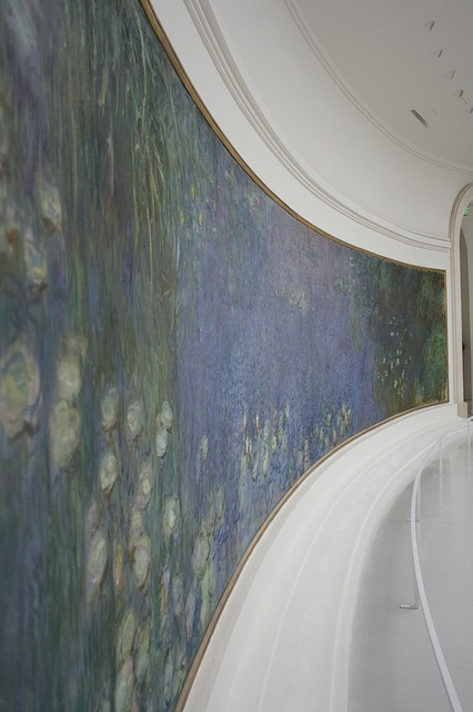 Musée de l'Orangerie - Les Nymphéas by Claude Monet by pakitt, via Flickr - The Musée de l'Orangerie is an art gallery of impressionist and post-impressionist paintings located in the west corner of the Tuileries Gardens next to the Place de la Concorde in Paris.