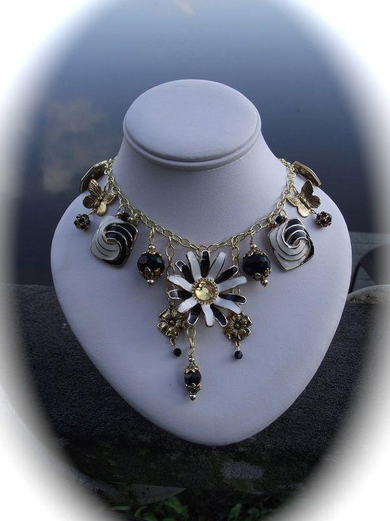 EL collage de JARDÍN un collar de encaje blanco por thejeweledmink