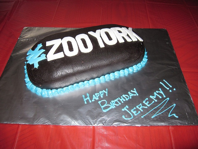 Skateboard Logo Cake. I like how this is an actual logotype on a real board in real life!