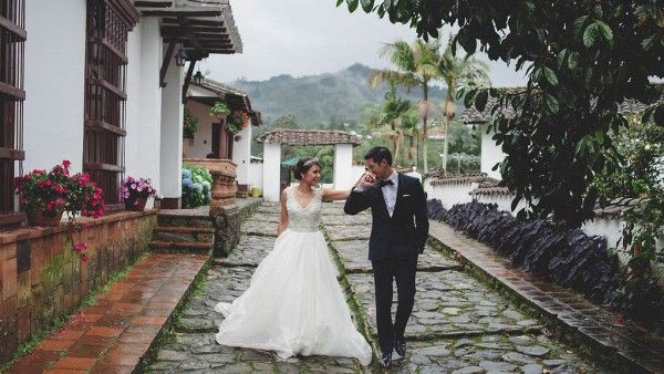 Timeless and Romantic Colombian Wedding