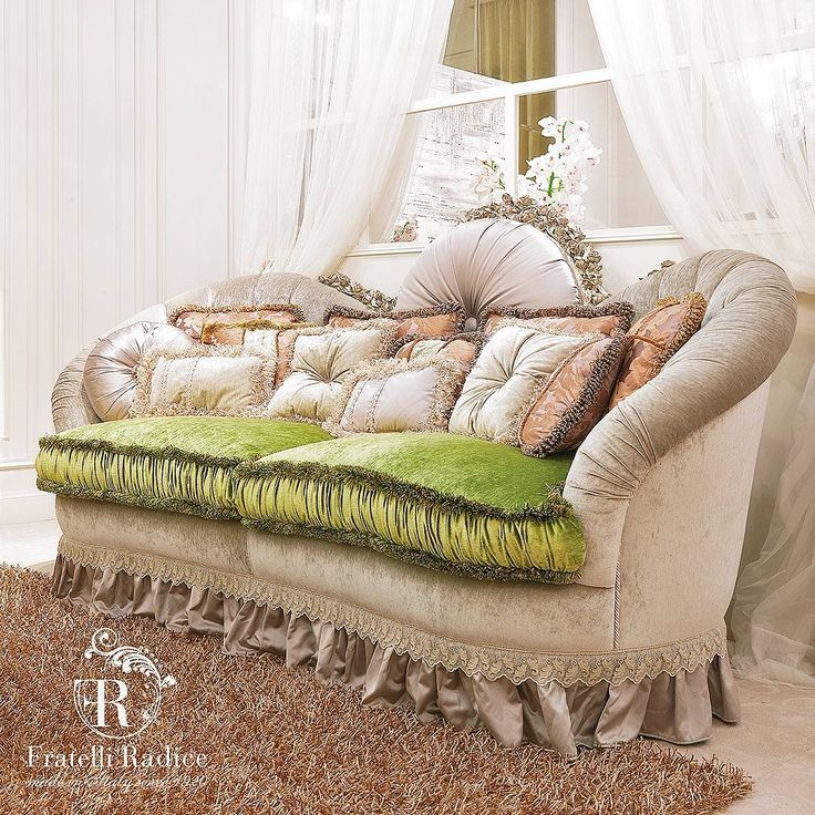 Luxury Sofa | Romantique Collection www.fratelliradice.com  #italianfabric #green #velvet #bespoke #FratelliRadice #decoration #decor #sofa #italianfurniture #italianstyle #madeinitaly #luxuryliving #luxuryhomes #lusso #luxurylifestyle #velluto #divano #verde #interiordesign #италия #итальянскаямебель #роскошь #диван #подушки #интерьер #бархат #зеленый #диван