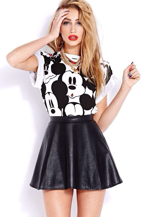 mickey mouse graphic shirt, leather skirt, gold necklace and bold red lips