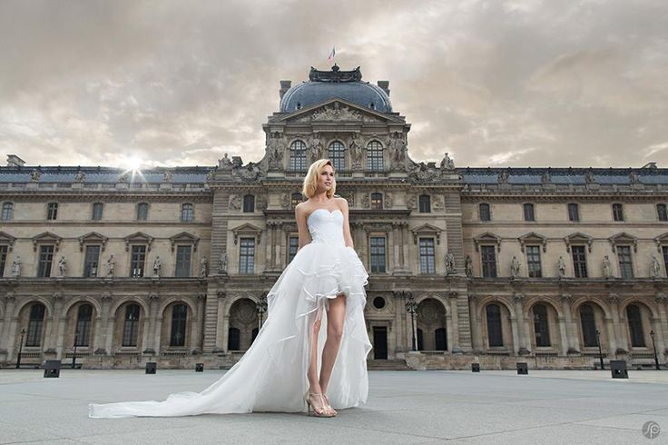 Wonderful wedding dress by Anahid Sinsek Couture, Paris. Short before, long behind.