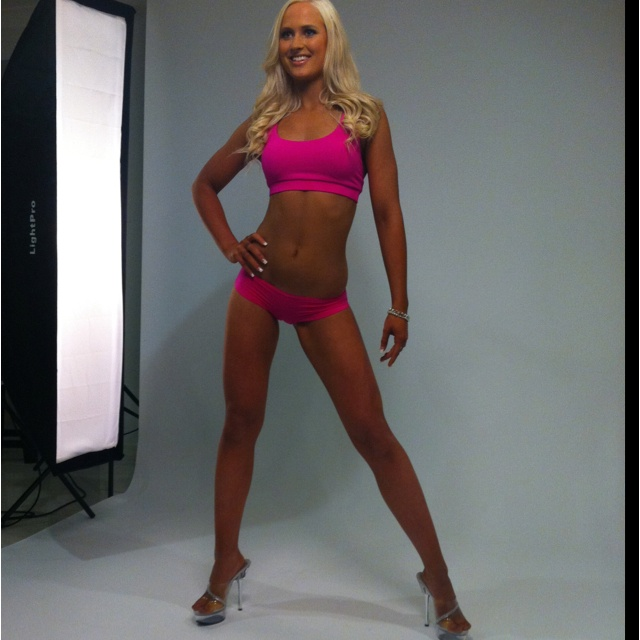 Fit Chic Brianna at her first shoot!  AMAZING young lady who is about to do her first bikini competition :)  #motivation #nickyjankovic #getfitgetfabulous #teamfitchic