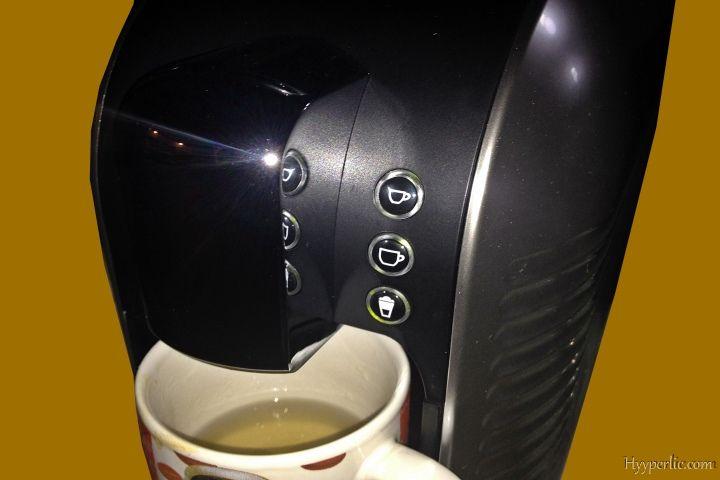 Espresso-, Kaffee- und Milch-taste der EXPRESSI Kapsel-Kaffeemaschine von ALDI Süd