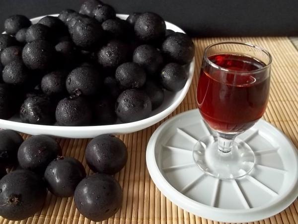 Aprenda a preparar licor de jabuticaba fácil  com esta excelente e fácil receita.  O licor de jabuticaba é uma bebida com deliciosa cuja receita é bem antiga. O seu...