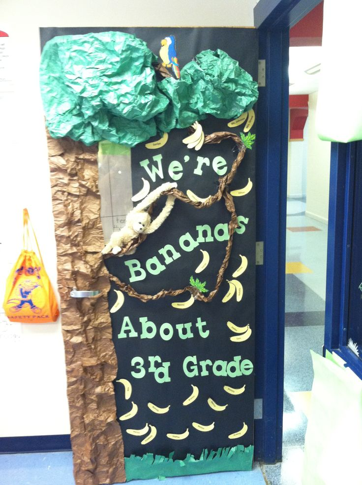 classroom door :) jungle theme