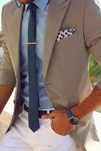 Hellbeige Sakko, Hellblaues Businesshemd, Weiße Chinohose, Dunkeltürkise Krawatte für Herren
