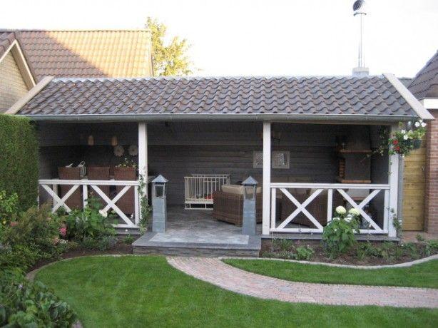 Landelijke veranda, in stijl van een schuurtje.