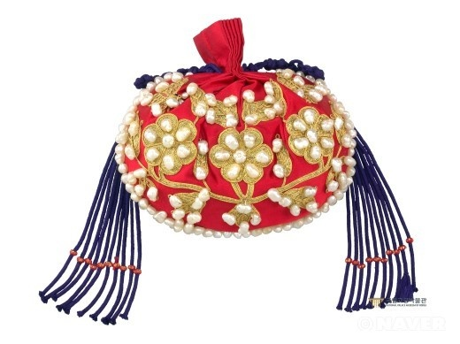Pearl Embroidered Pouch of the Consort of Imperial Prince Yeong (the Joseon Dynasty) via National Palace Museum of Korea