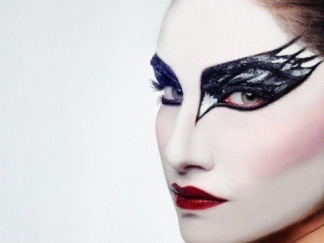 best 25 black swan makeup ideas on pinterest black swan costume black swan party costume and. Black Bedroom Furniture Sets. Home Design Ideas