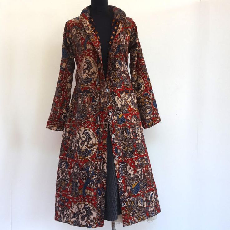 Grand manteau femme  en coton imprimé kalamkari à motifs ethniques rouge et bleu