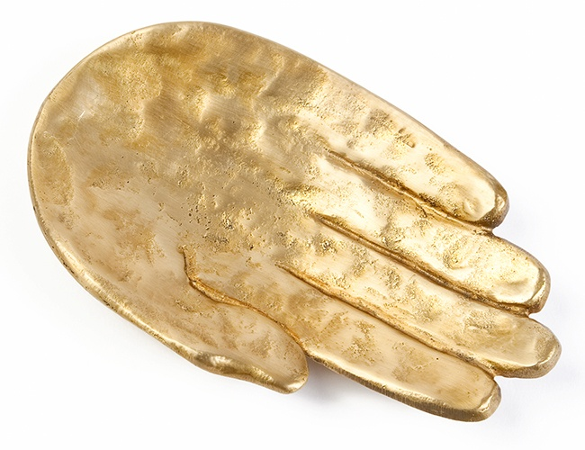 If you're going to give me a hand....make it a Kelly Wearstler, Palm Dish- I NEEEED THIS! <3