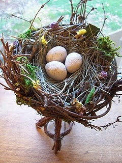Make a nest for altar offerings