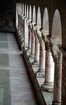 Detall del claustre