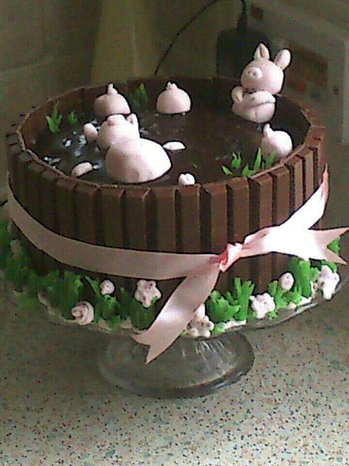 Pigs in mud. Catherines Kit kat chocolate cake