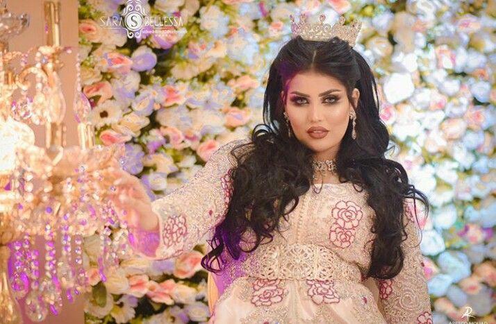 ملكة جمال المغرب ابتسام المومني تثير الجدل في مصر بصورة على إنستغرام Crown Jewelry Crown Fashion