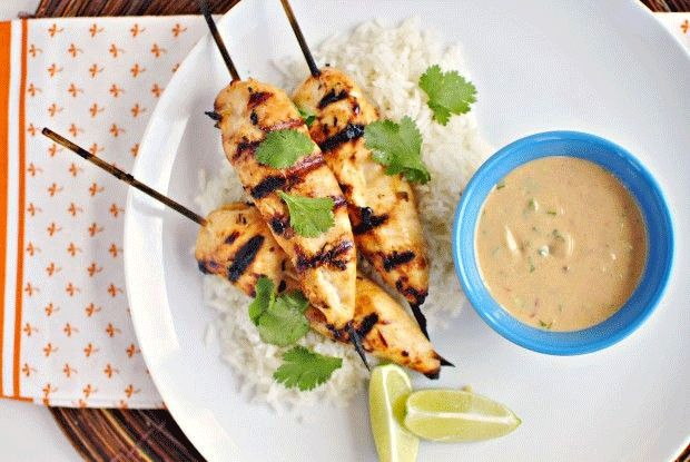 What's for dinner at your house tonight. How about Chicken with Real Thai Peanut Satay!  -------------------------------------------------------------- Che ne dici di Real Thai Pollo con salsa di arachidi stasera?    SHOP ONLINE --->http://www.richmonds.it/item/satay-sauce-200g.html COMPRA ONLINE —>http://www.richmonds.it/item/salsa-satay-200g.html  #richmonds #thai  #tailandese #pollo #arachidi #peanut #satay #salsa