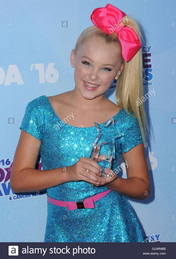 Download this stock image: Hollywood, CA, USA. 17th Aug, 2016. 17 August 2016 - Hollywood, California. Jojo Siwa. 2016 Industry Dance Awards & Cancer Benefit Show held at the Avalon. Photo Credit: Birdie Thompson/AdMedia Credit:  Birdie Thompson/AdMedia/ZUMA Wire/Alamy Live News - GJWM6B from Alamy's library of millions of high resolution stock photos, illustrations and vectors.