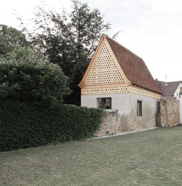 L'atelier d'architecture Vécsey Schmidt, basé en Allemagne, signe le projet d'une petitemaison de jardin qui date de la rénovation d'un…