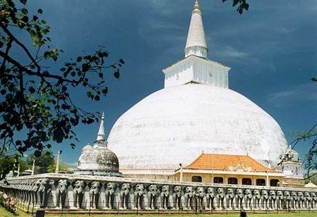 Sri Lanka - http://www.travelmoodz.com/en/travel-professional/pamal-nalaka