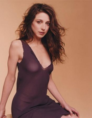 marin hinkle cameltoe pic