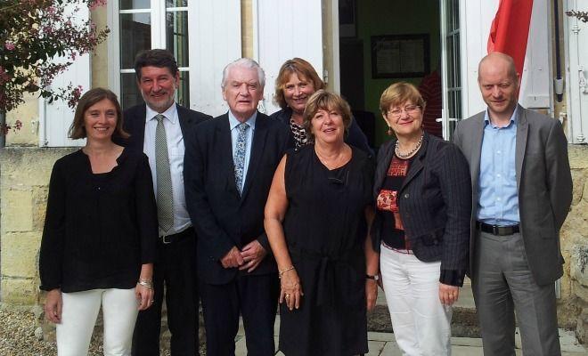 La Gironde compte 6 sénateurs: 3 UMP et 3 PS. Le 26 septembre les grands électeurs voteront pour renouveler ces sièges. En rang serré, la liste PS fait campagne pour la défense du Département.