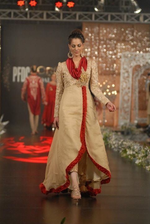 Asifa-and-Nabeel-2012-in-PFDC-LOreal-Paris-Bridal-Week-1