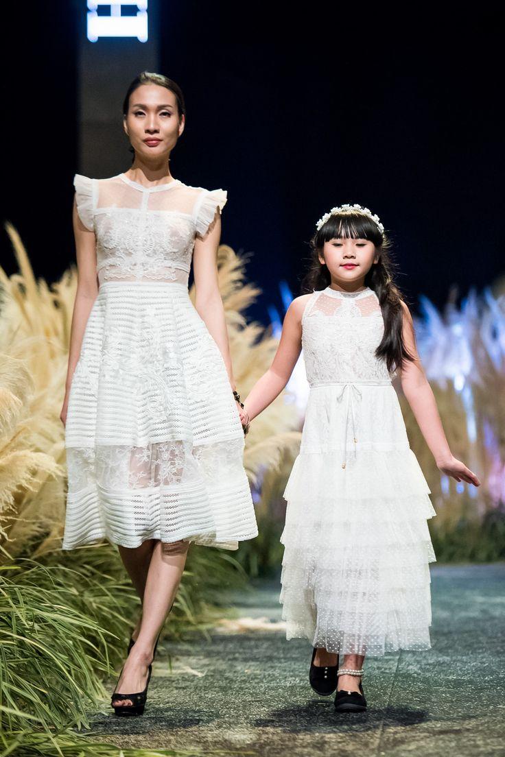 Vietnam Fashion Week FW17 - Ready To Wear.        Designer: Ha Duy   Photo: Le Chi Linh
