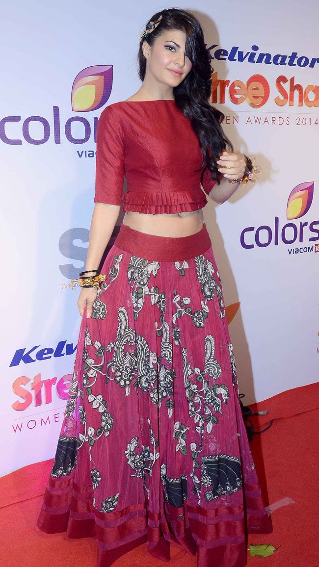 Jacqueline Fernandez on the red carpet at the prestigious Stree Shakti Women Achievers Awards. #Style #Bollywood #Fashion #Beauty