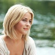 julianne hough short hair safe haven -love it. Don't think I'm brave enough, but someday!