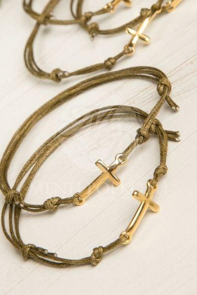 Μαρτυρικά βάπτισης βραχιολάκια από κερωμένο κορδόνι με χρυσαφί σταυρό