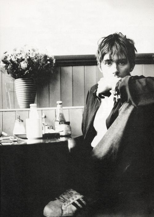 Damon Albarn- he's just too pretty
