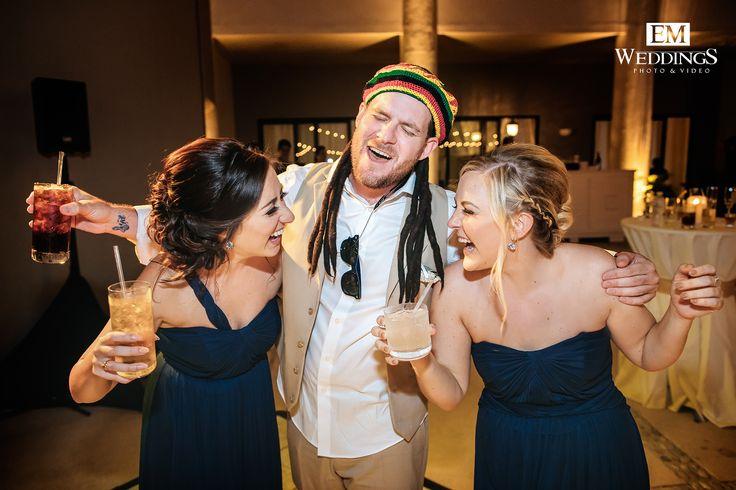 Enjoying the best moments! #emweddingsphotography #destinationwedding