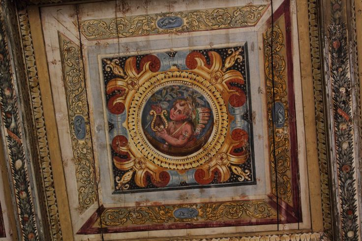 Ferrara | Soffitto a cassettoni | Dettaglio del soffitto a cassettoni in Palazzina Marfisa (edificio adiacente)