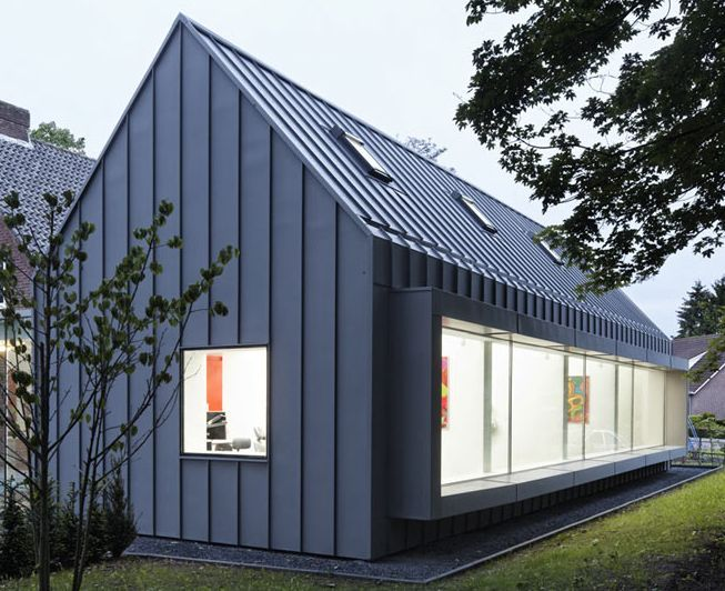 Standing Seam Cladding Black House Architecture House Cladding House Exterior