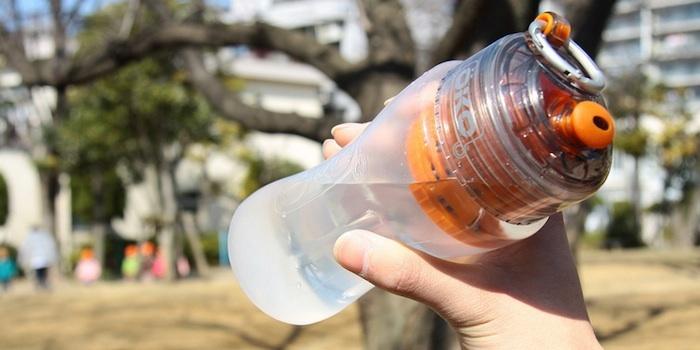 コーラも透明になる!?抜群のろ過力を誇る、強力フィルター付き水筒「OKO(オコ)」