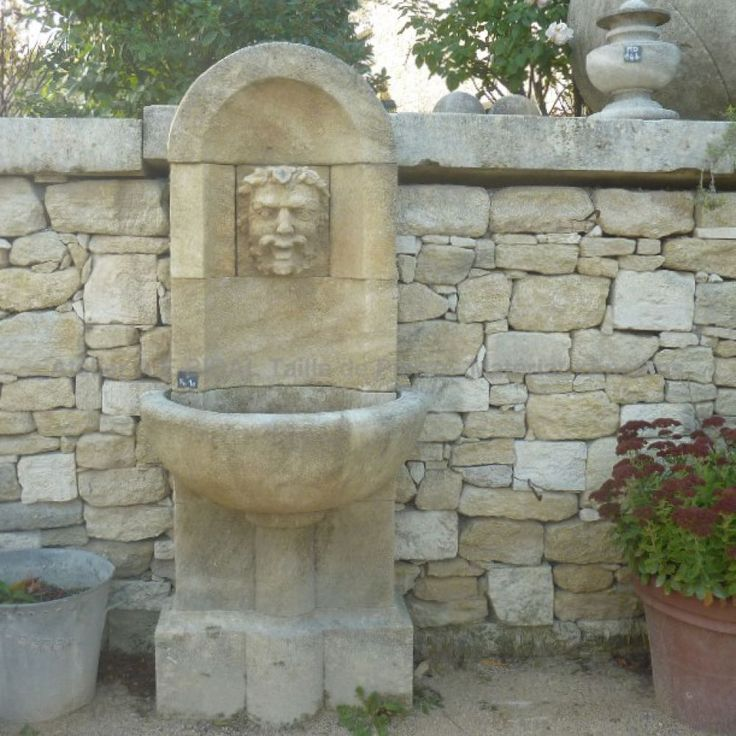 Fontaine de jardin murale en pierre naturelle d for Bassins de jardin en pierre