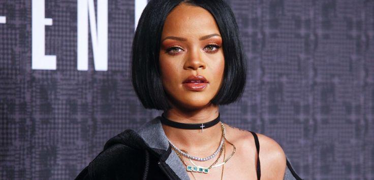 """Même si le rythme de """"Work"""" est plutôt entraînant, les paroles du dernier titre de Drake et de Rihanna restaientquant à elles assez floues. """"Work, Work, Work, Work..."""" et après ? La chanteuse, qui s'exprimait en patois, essuie le racisme ordinaire du web, qui en a fait un mème. Carton rouge.Texte : Laurianne Melierre et Laura MeunierImage de Une :Andy Kropa/AP/SIPA"""