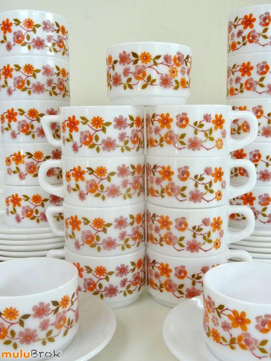 Vaisselle Vintage ... Tasses Arcopal O75 * Modèle SCANIA ... www.muluBrok.fr ...