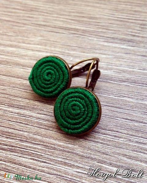 Zöld, francia kapcsos fülbevaló (aHorgolbolt) - Meska.hu
