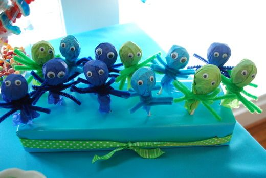 Octopus tootsie roll pops
