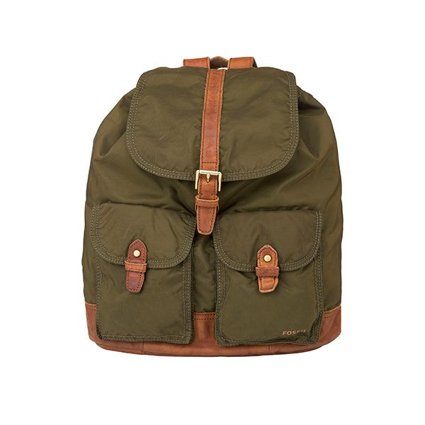 Take this #Fossil backpack and catch the military look - available at #DesignerOutletParndorf