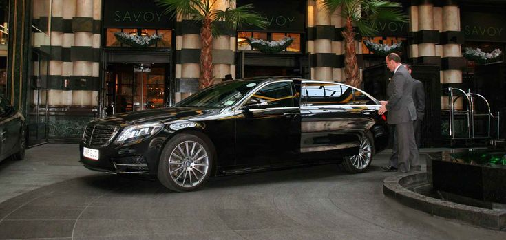 We are the leading transportation company in the region, delivering professional Town Car Service San Diego. Our professional chauffeurs and limo service are trusted in the entire San Diego area and assured to treat you to a comfortable and convenient travel at relatively affordable packages.
