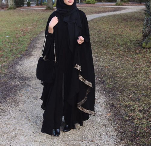 Beautiful Flowing Abaya
