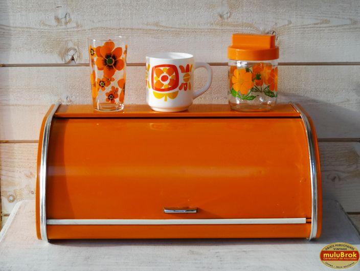 Objet Vintage ... Authentique Boite à pain métallique Orange 70's ...  sur www.mulubrok.fr