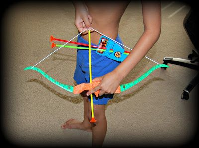 Let kids enjoy target practice w/ the Arrow Eagle Archery Toy Bow & Arrow Set! #bowandarrow