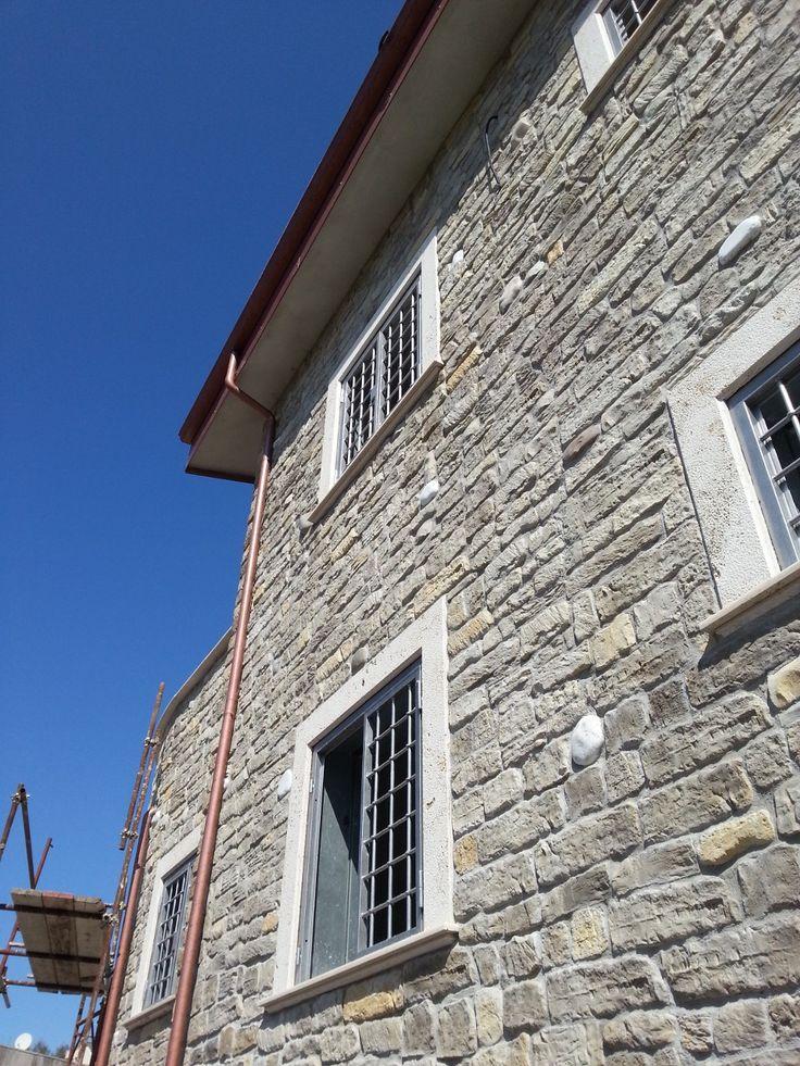 25 migliori idee su facciata in pietra su pinterest muri for Facciate di case in mattoni e pietra