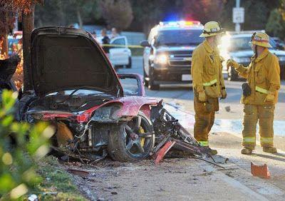 porsche carrera gt mort paul walker 3   Mort de Paul Walker dans un accident de voiture   porsche carrera photo Paul Walker mort incendie im...